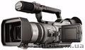 Видеокамера Sony DCR-VX2100E